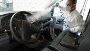 Sanitizando un vehículo con Nanokill
