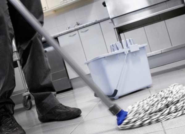 utiles-limpieza-de-suelos