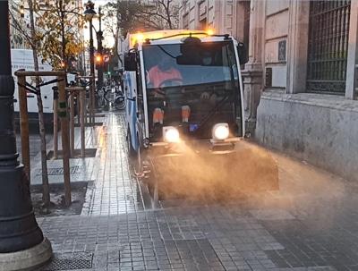 Demostración de nuestra baldeadora eléctrica para esta empresa de Servicios Urbanos y Medioambientales en Valencia