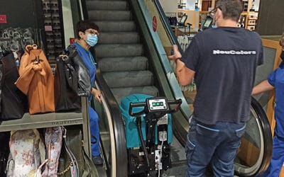 La fregadora E52, es perfecta para la limpieza de escaleras mecánicas, ya que limpia de forma automática mojando muy poco.
